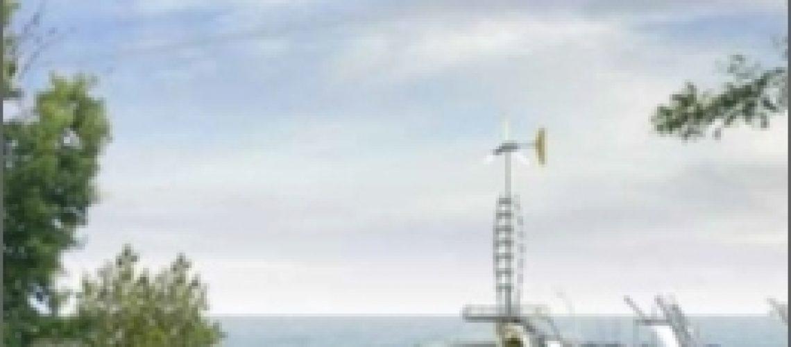 Pier with turbine